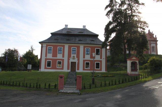 Ubytování - Dům zámeckých kaplanů  Valeč