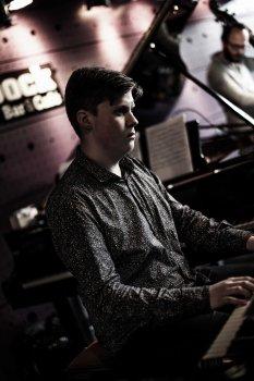 Daniel Bulatkin Quartet
