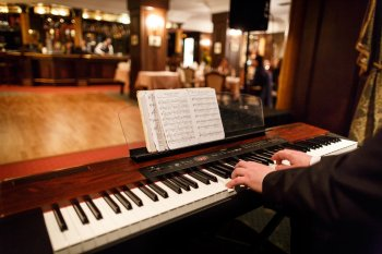 Coctail Piano
