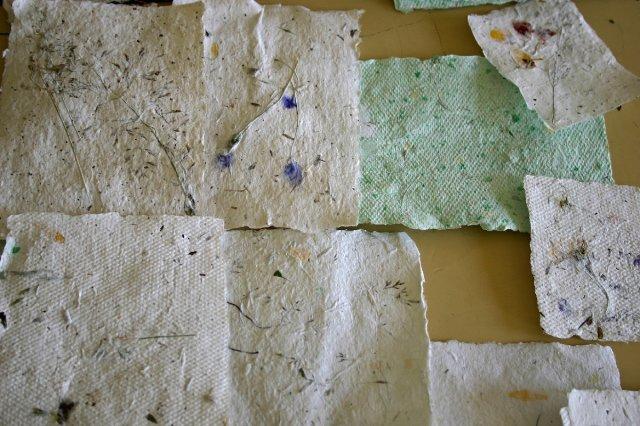 Ruční papír a papírový reliéf